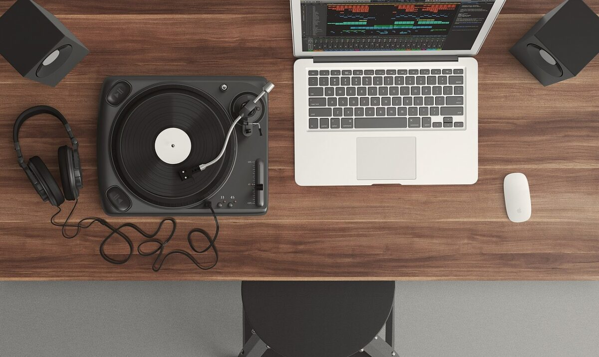 kodėl muzikos klausytis legaliai